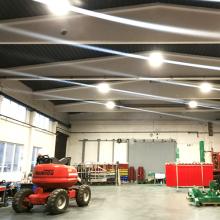 Beleuchtungstechnik in einer Industriehalle